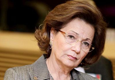 سوزان مبارك: ادعو الله أن يطيل في عمر زوجي، حتي يرى براءته من الاتهامات والأكاذيب
