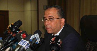 وزير التخطيط سيتم تدوير موظفي الدولة بين الوزارات لسد العجز