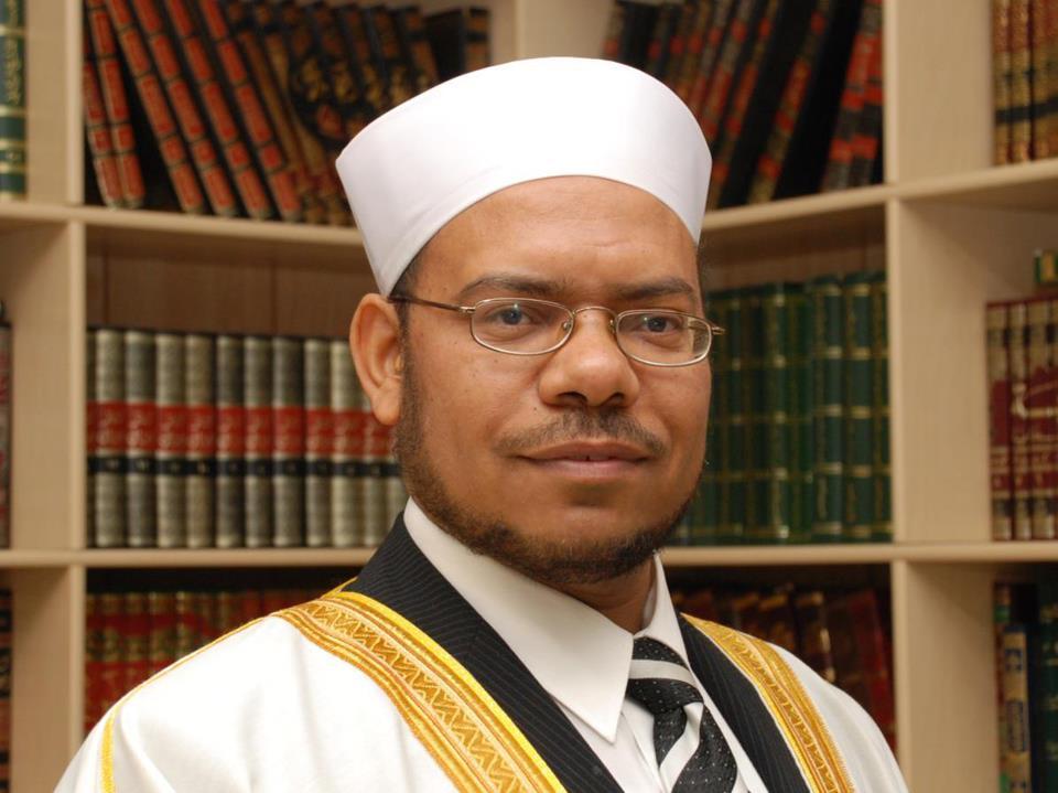 الداعية الإسلامى الكبير الدكتور عويس النجار رئيس مجلس أئمة كيبك إمام المركز الإسلامى الكندي :