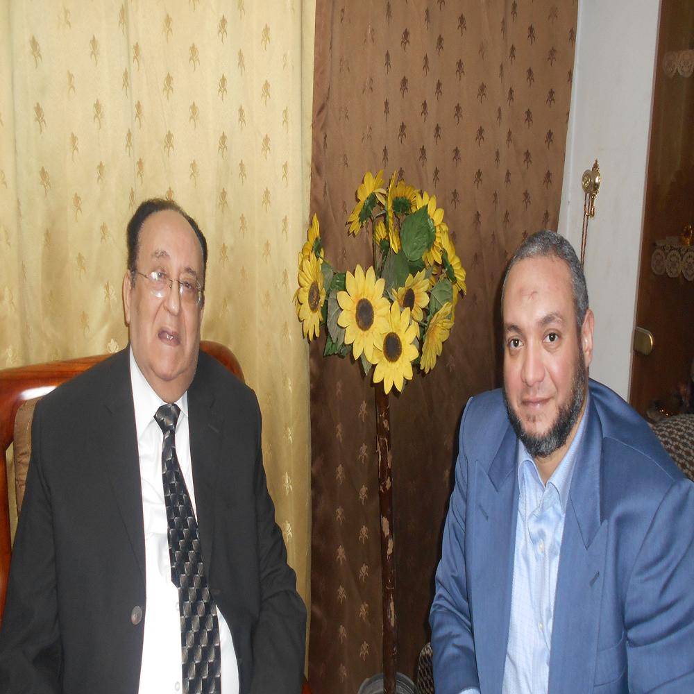 أحمد نورالدين يحاور المفكر الإسلامي والمصلح الاجتماعي الكبير الدكتور حامد طاهر فى حوار  شاف شامل  :