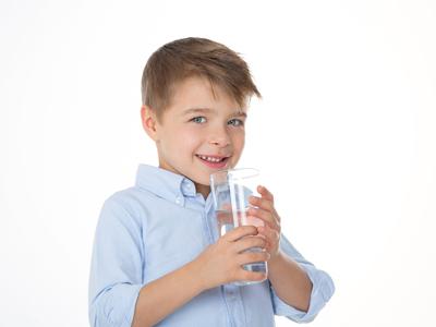 أشهر 4 خرافات عن كميات المياه التى يجب تناولها يوميا