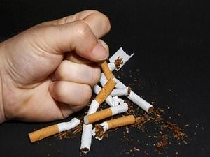 دراسة: الإقلاع عن التدخين يساعد فى علاج التهاب المفاصل الروماتويدى