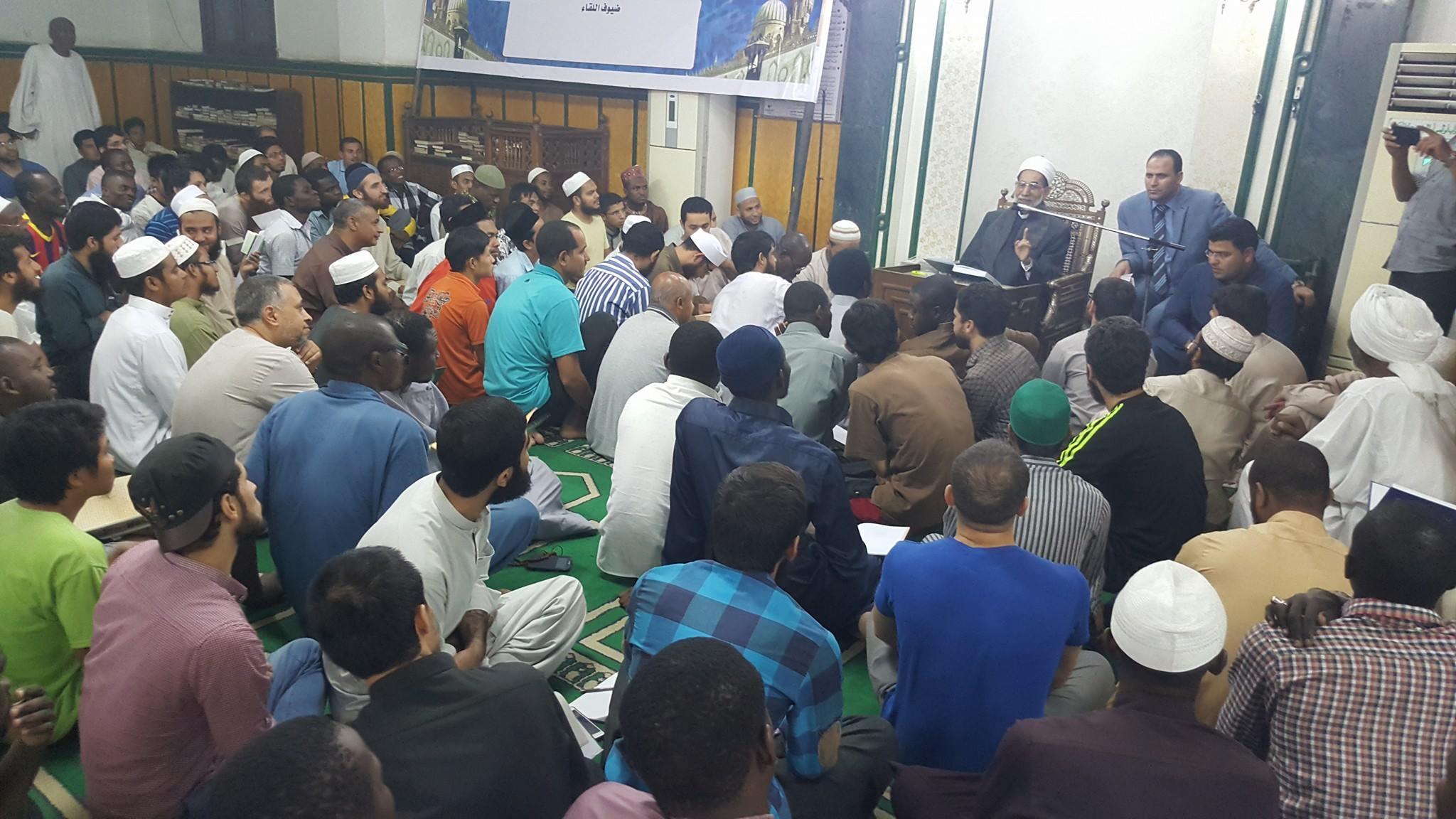 """""""البعوث الإسلامية"""" تبدأ قراءة الكتب الحديثية على أيدي محدثي الأمة"""