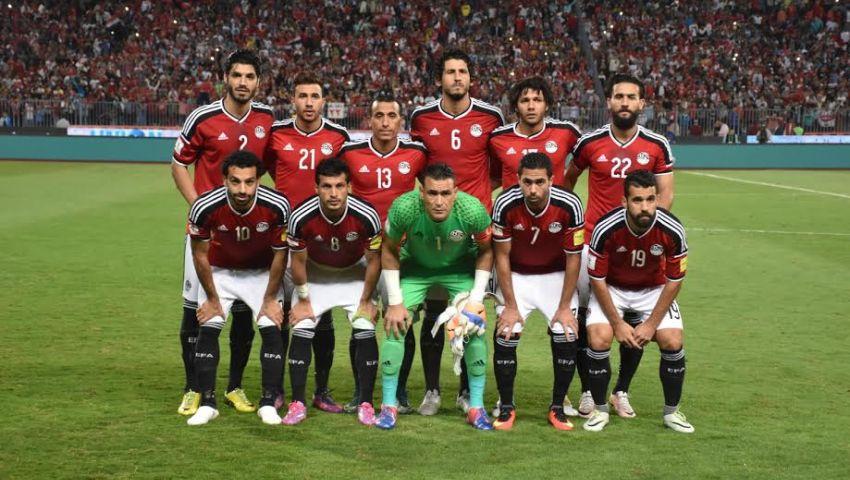 الجهاز الفني وكوبر ولاعبو المنتخب المصري يحتفلون بشكل مختلف