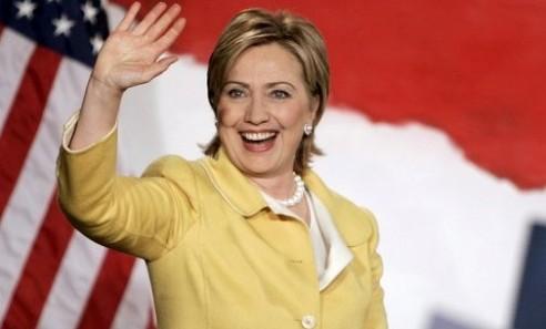«قضية البيتزا» تلاحق هيلاري كلينتون