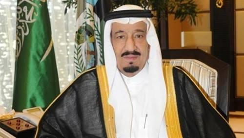 ملك السعودية يأمر باعادة تكوين هيئة كبار العلماء ويقيل وزير العمل