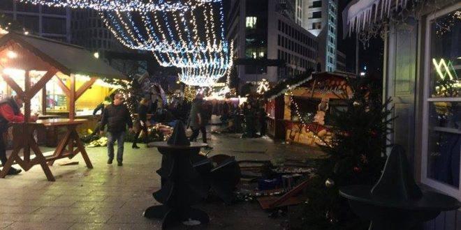 عاجل  : شاحنة تقتحم سوق الكريسماس بألمانيا تسفر عن 9 قتلي وعشرات الجرحى