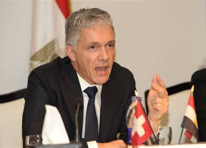 النائب العام السويسري يصل القاهرة لبحث ملف «أموال مبارك» المجمّدة