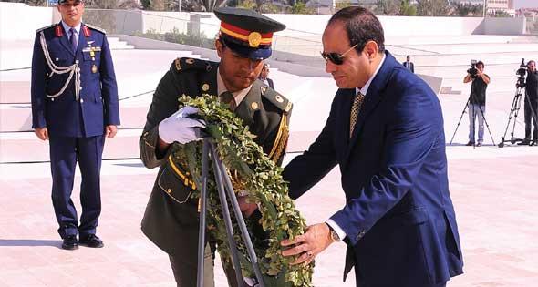 """السيسي أول رئيس دولة يزور """"واحة الكرامة"""""""