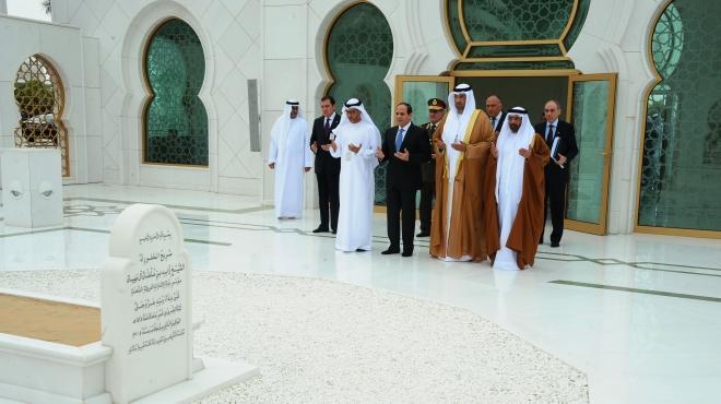 زيارة الرئيس السيسي لضريح الشيخ زايد وواحة الكرامة بالامارات