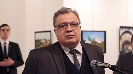 """شرطي تركي يغتال السفير الروسي بأنقرة  انتقاما لـ """" حلب """""""