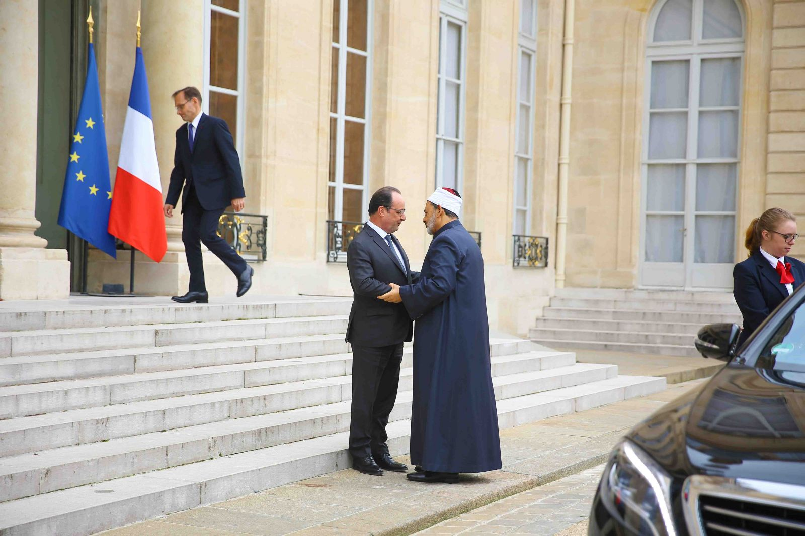 رسالة من الرئيس الفرنسي إلى الإمام الأكبر الدكتور أحمد الطيب