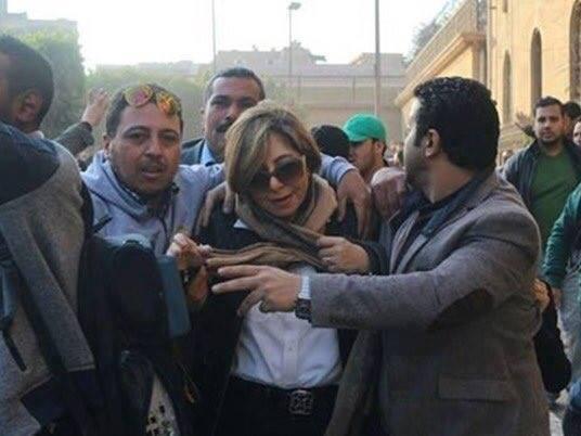 لميس الحديدى: مجموعة مندسة حاولت الاعتداء على أمام الكنيسة و4 شباب تصدوا لهم