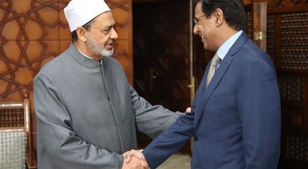 الإمام الأكبر في لقائه بسفير موريتانيا بالقاهرة: الأزهر يشهد حركة بعث تراثي في أروقته العلمية