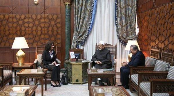 الإمام الأكبر: مساعدة اللاجئين الفلسطينيين واجبٌ إنساني وأخلاقي على العالَم كله