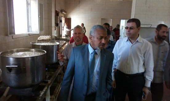 بالصور|نائب رئيس جامعة الأزهر بأسيوط يتفقد المطعم المركزى للمدينة الجامعية
