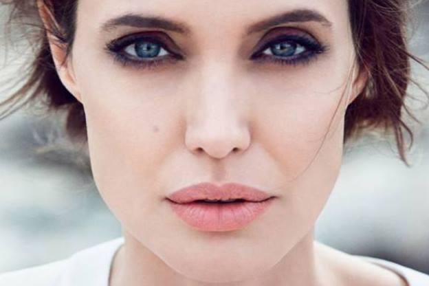 بعد الانفصال عن براد بيت..أنجلينا جولي تخسر وزنها ليصبح «34 كغ»