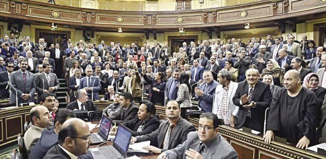 هجوم على وزير التعليم فى البرلمان