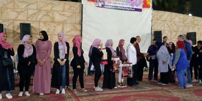 بالصور.. مركز شباب الجزيرة يكرم ١٣٠ أم مثالية وعدد من الصحافيين