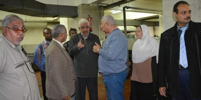 نائب رئيس جامعة الأزهر يتفقد المدينة الجامعية للطالبات بأسيوط